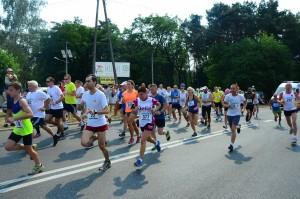 Start biegu na 5 km - Z przodu Witek Tosik.