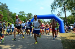 Start półmaratonu - Darek Andrzejczak.